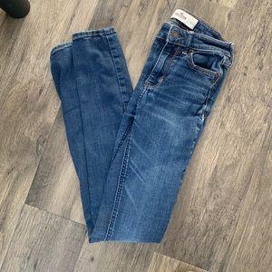 Hollister Jeans (Dark Wash)